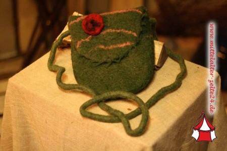 Mittelalter Filzhandtasche, hangearbeitet