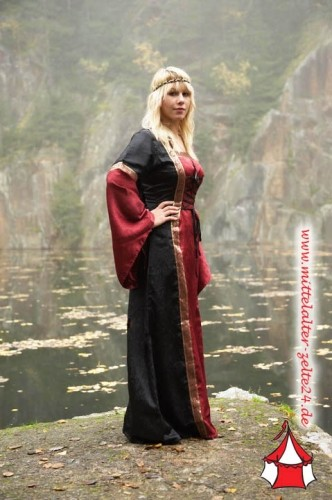 Mittelalter Kleid Mona - mit Kapuze